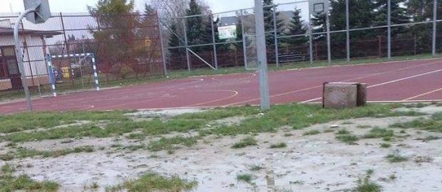 Interpelacja wraz z odpowiedzią ws. otoczenia boiska na osiedlu WP